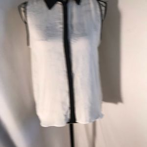 Forever 21 Sleeveless Button Neck Blouse Sz M
